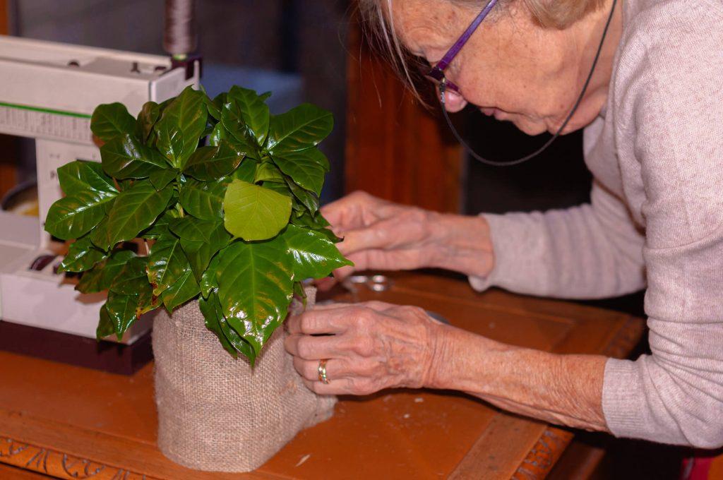 Decorazioni natalizie - Porta vaso di juta