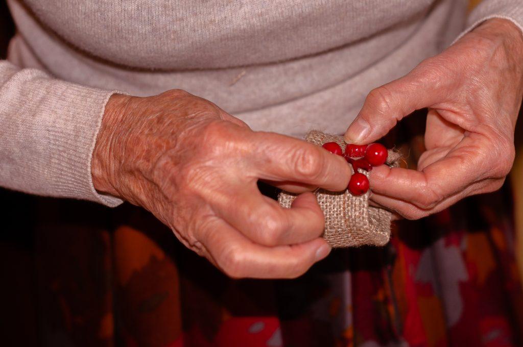 Decorazioni natalizie - porta tovagliolo di juta