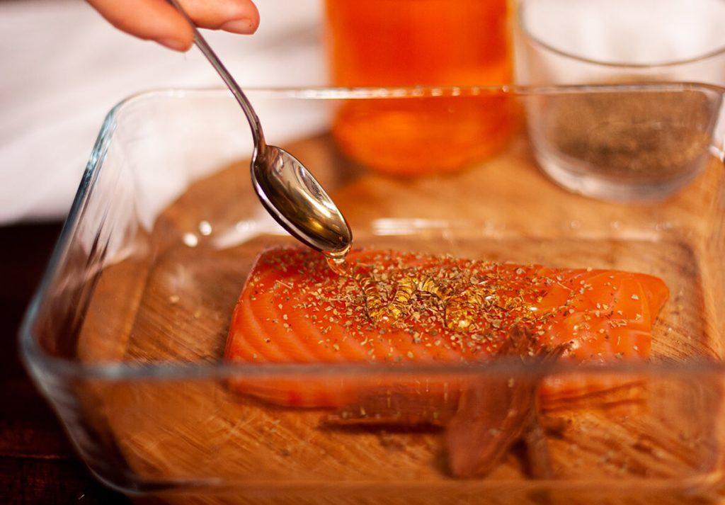 salmone marinato al caffè